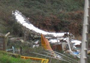Estatua do Parlamento de Galicia tirada nun vertedorio do Milladoiro / Foto:GC