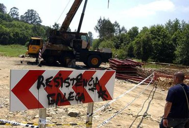 Ataque de Resistencia Galega contra as obras do AVE