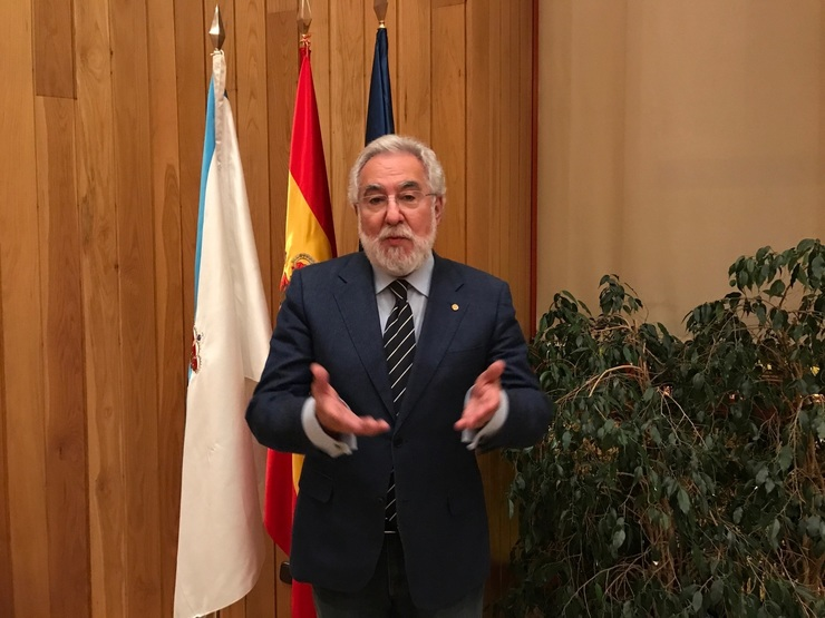 O presidente do Parlamento, Miguel Santalices, con Europa  Press / Europa Press