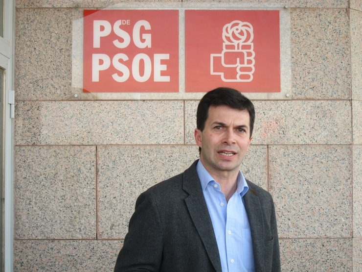 O exconcejal do PSOE en Vigo e líder do sector crítico local, Gonzalo Caballero