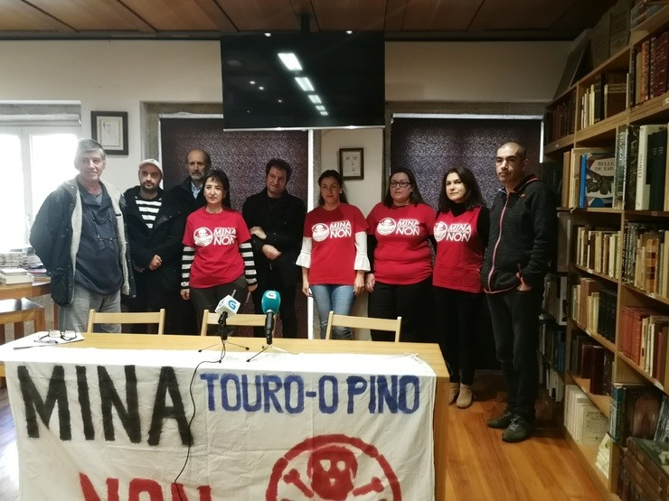 Integrantes da Plataforma contra a Mina de Touro / Europa Press
