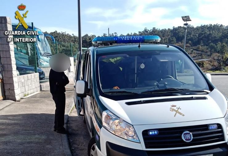 A Garda Civil investiga un accidente de tráfico / GARDA CIVIL