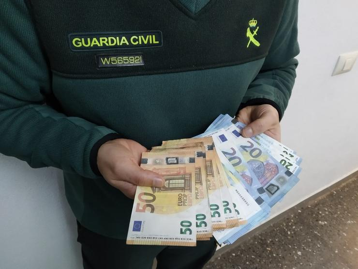 Investigado un home que posuía 1.130 billetes falsos. GARDA CIVIL / Europa Press