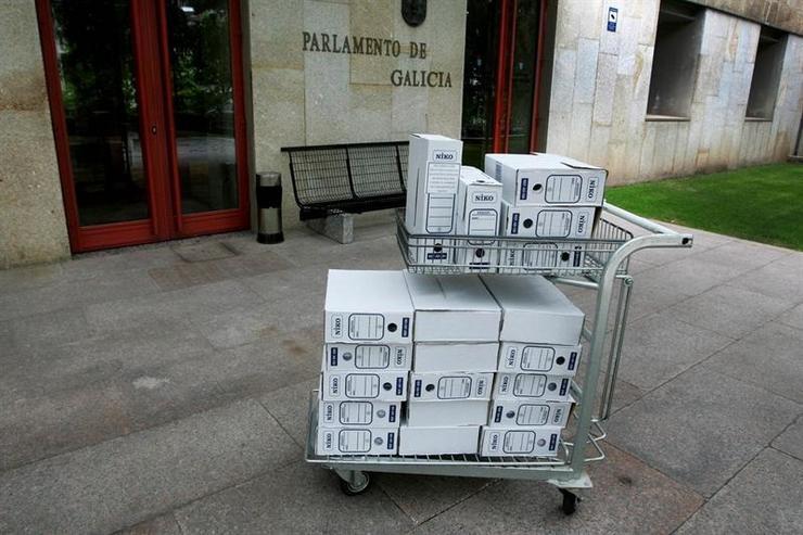 Documentación da comisión de caixas no Parlamento de Galicia. XUNTA - Arquivo