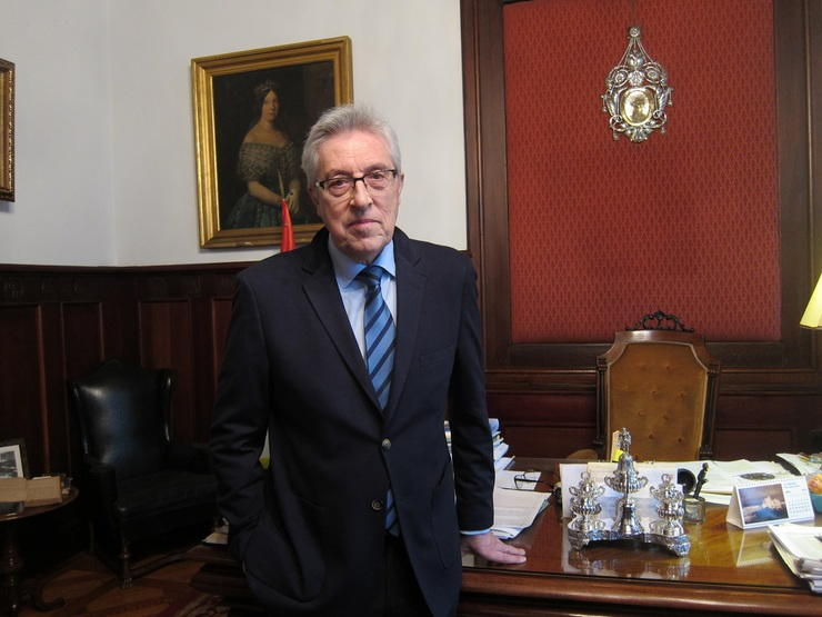 O presidente do TSXG, Miguel Ángel Cadeas, nunha entrevista