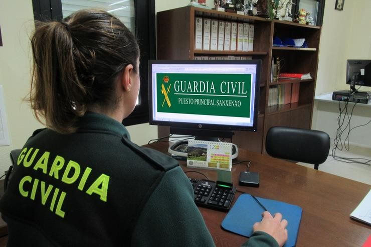 A Garda Civil investiga unha estafa . GARDA CIVIL