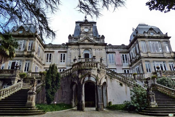 Pazo de Lourizán / De juantiagues -  CC BY-SA 2.0, https://commons.wikimedia.org/w/index.php?curid=41952526
