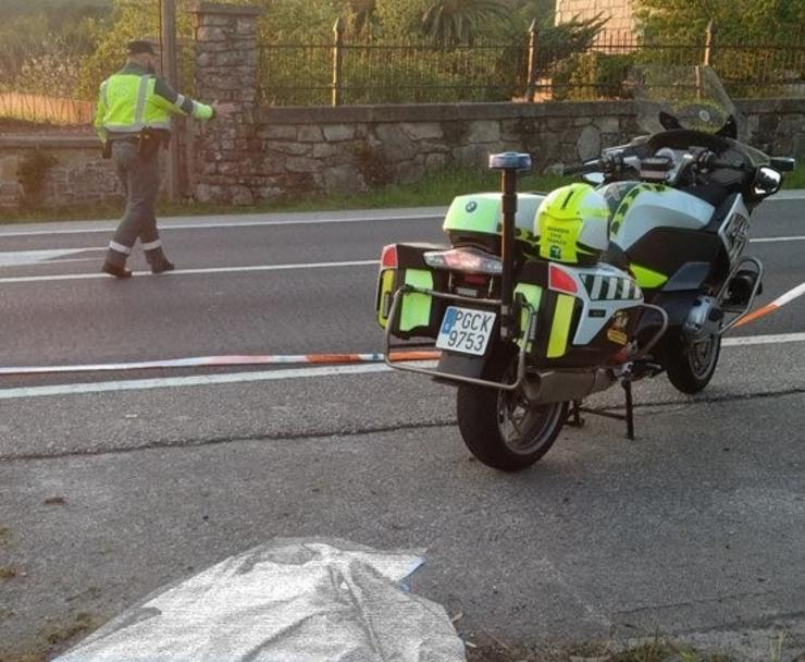 Garda Civil nun accidente de tráfico. GARDA CIVIL