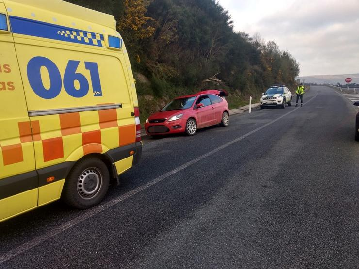 O 061 nun accidente en Lugo. GARDA CIVIL