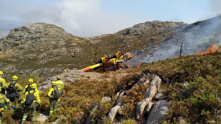 Accidente do hidroaviónno incendio de Lobios (Ourense) / @AT_BRIF